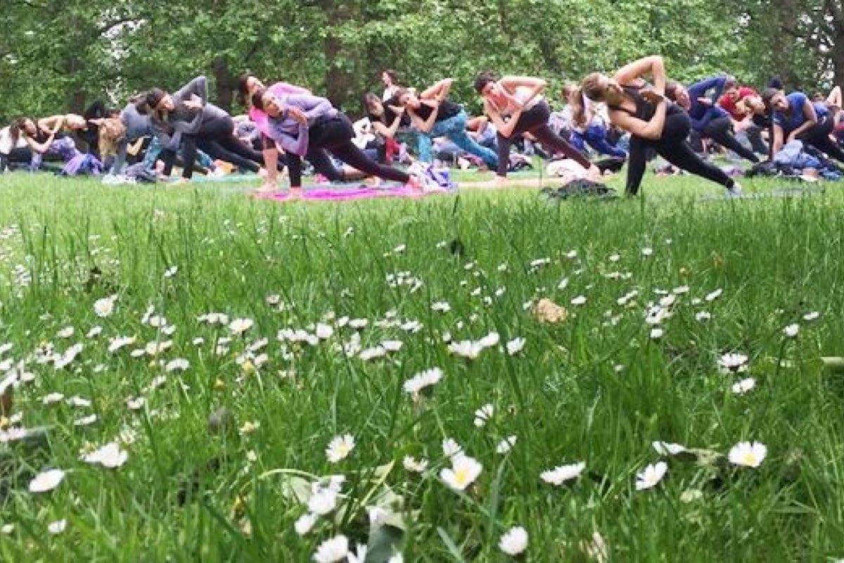 Yoga Hyde Park