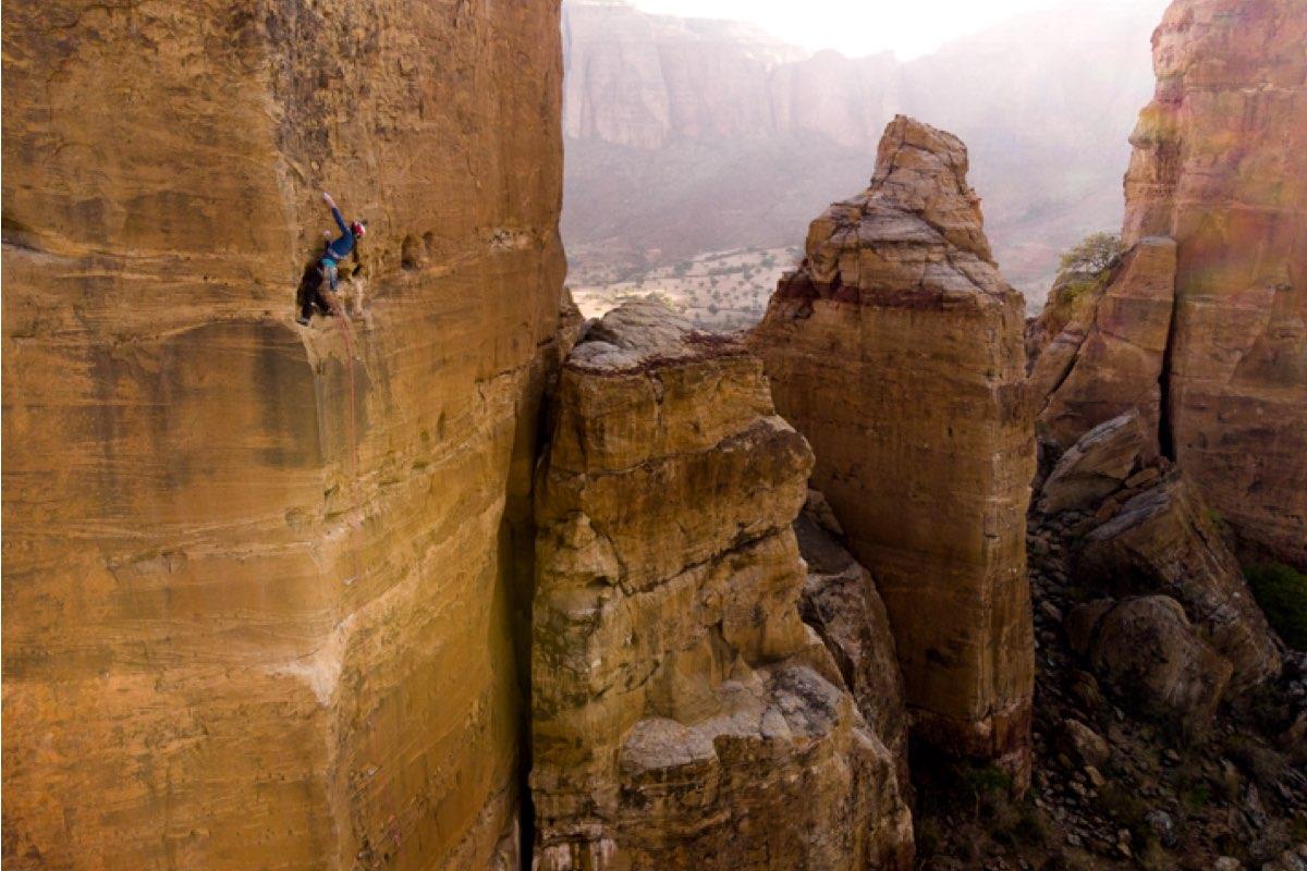 Caroline Cialvaldini on cliff edge