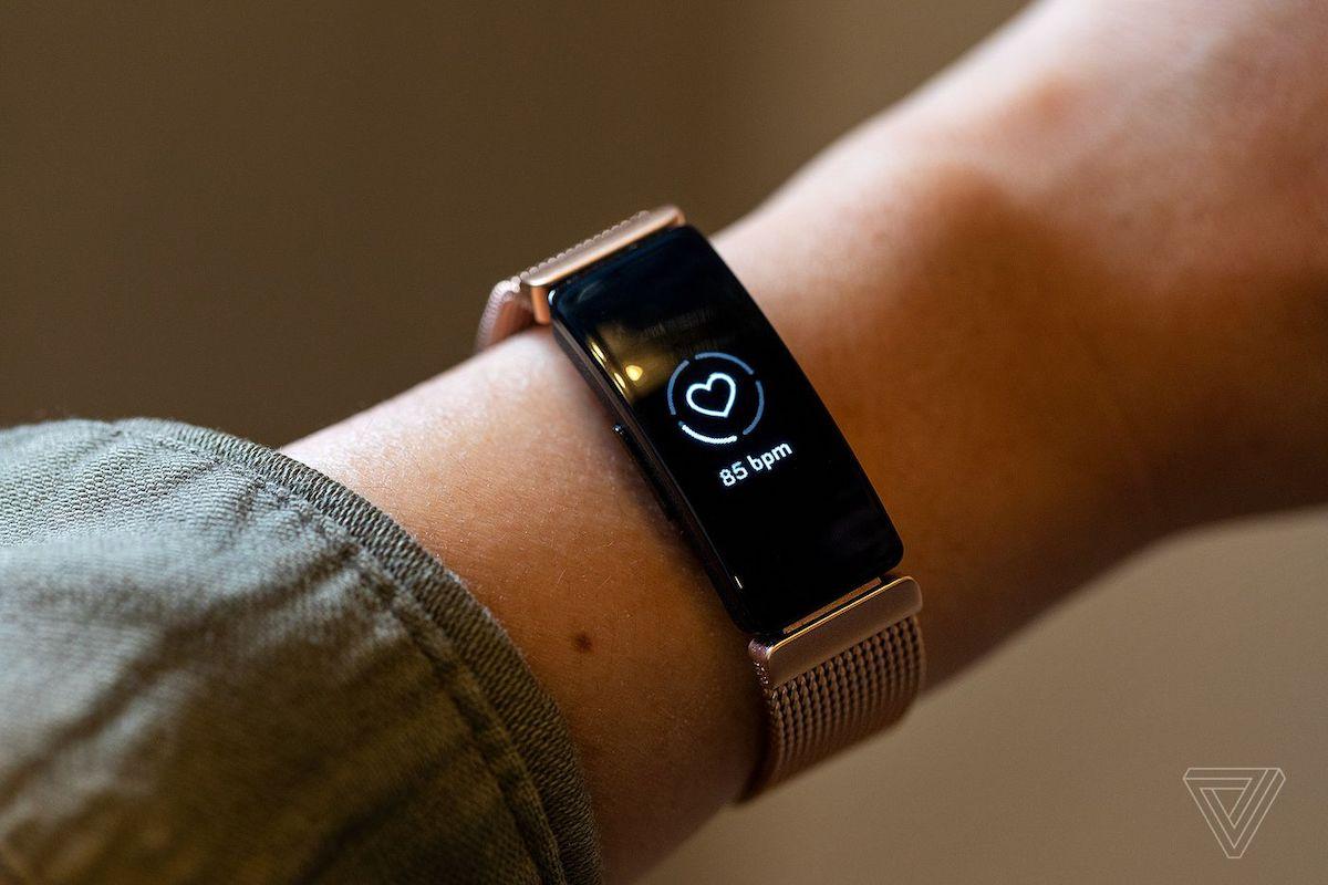 fitbit inspire hr smart watch
