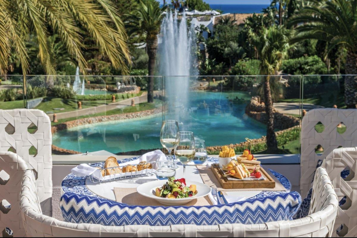 dining at vila vita parc resort & spa