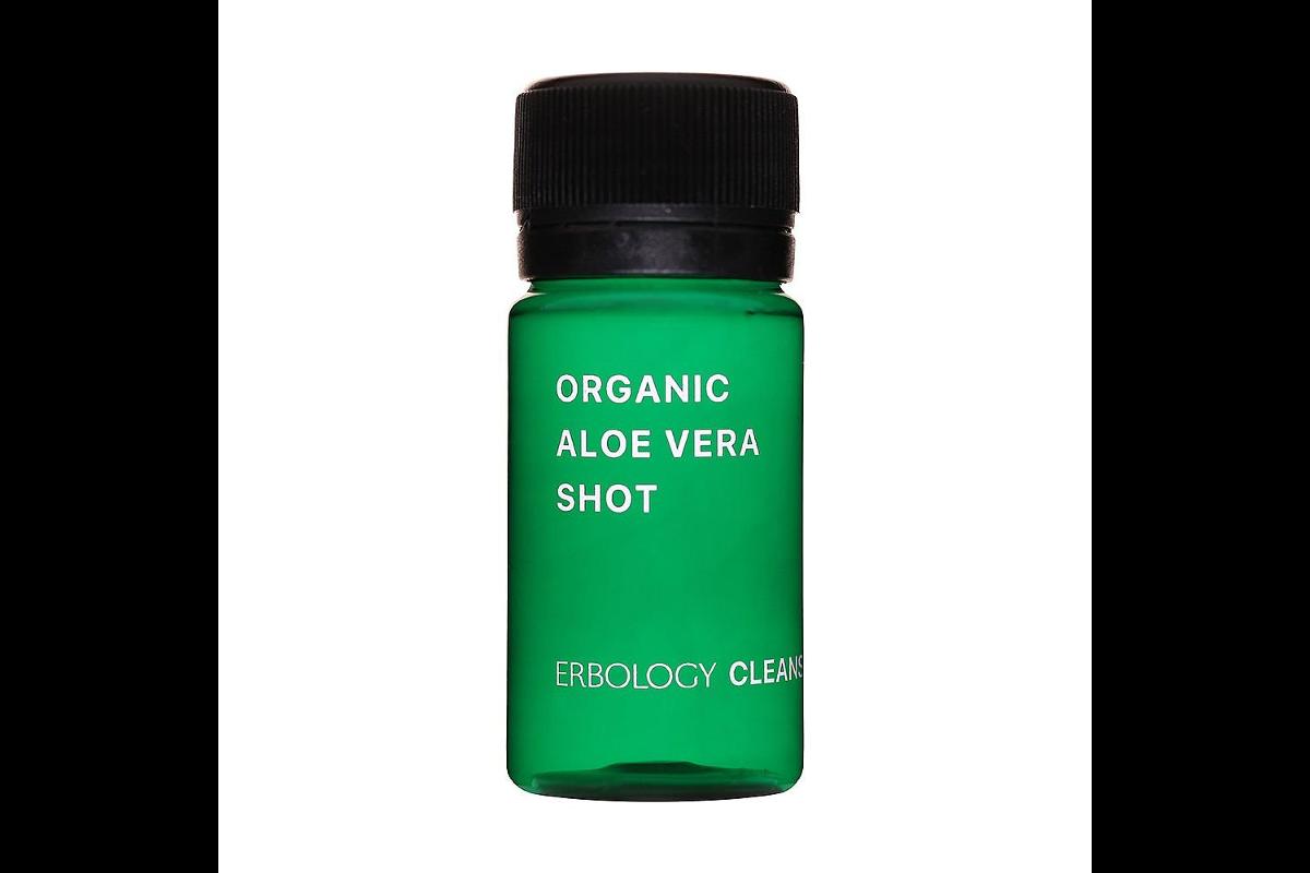 Organic aloe vera juice shot